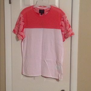 Guess red haze multi men's t-shirt Sz: M